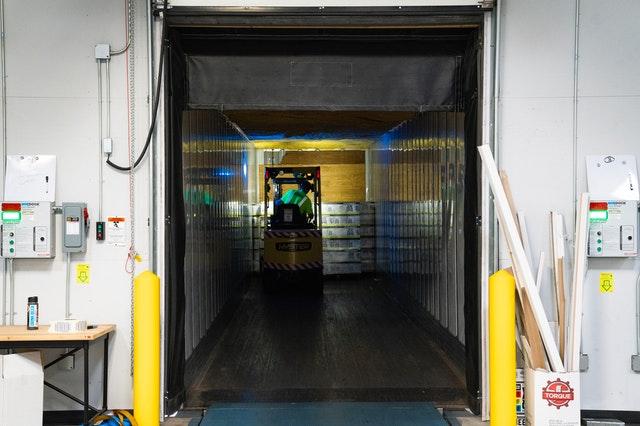 Защо е важно да изберете правилните стелажи за вашия склад